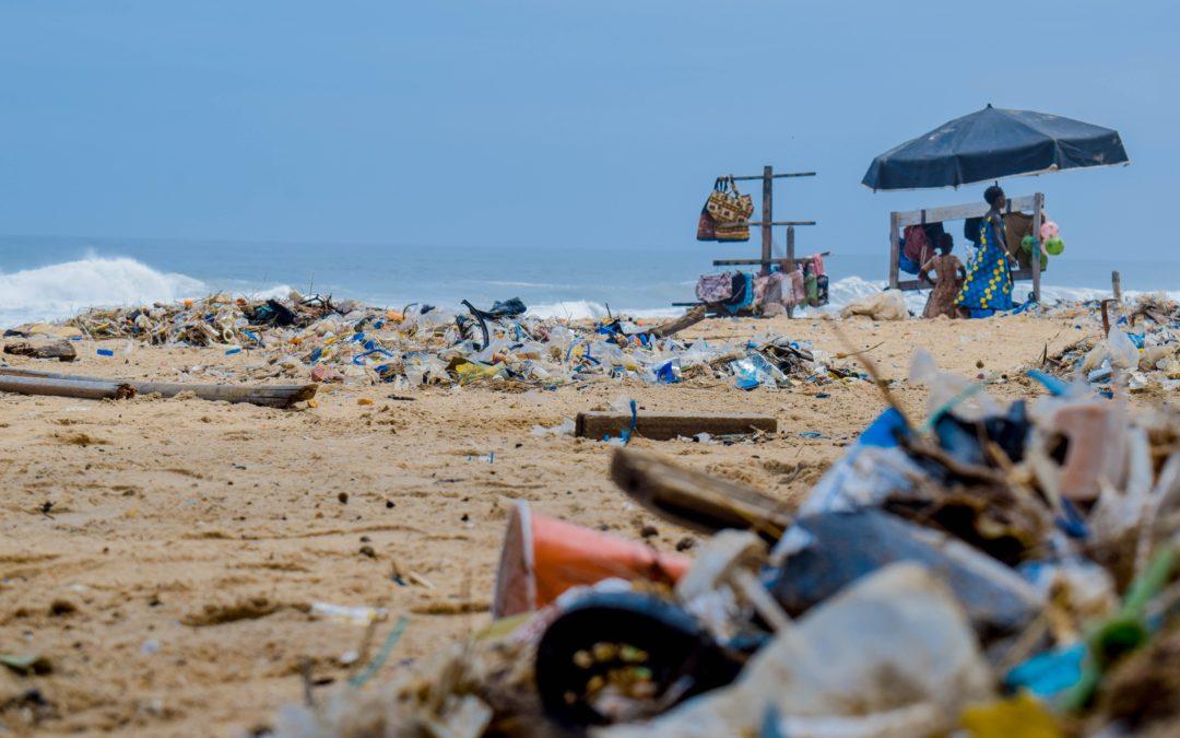 Plastik w wodzie pitnej – nowoczesne zagrożenie.